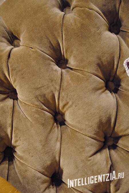 капитоне, каретная стяжка на мебели