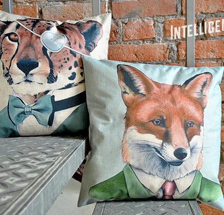 Декоративная подушка с лисой